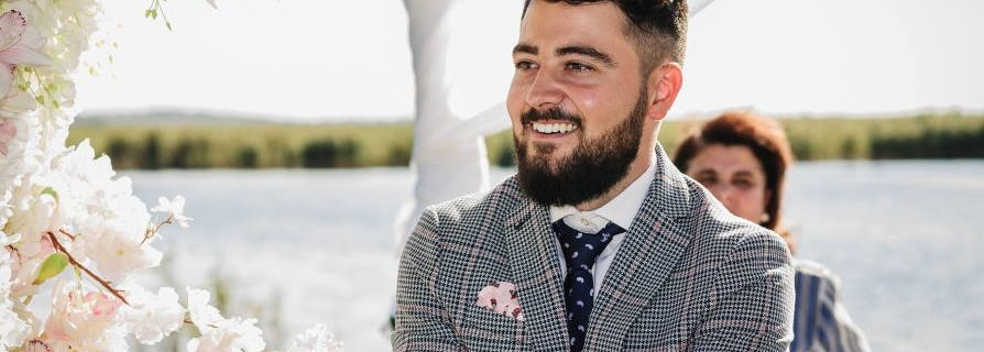 Should a groom be clean shaven for a wedding? What Do You Think