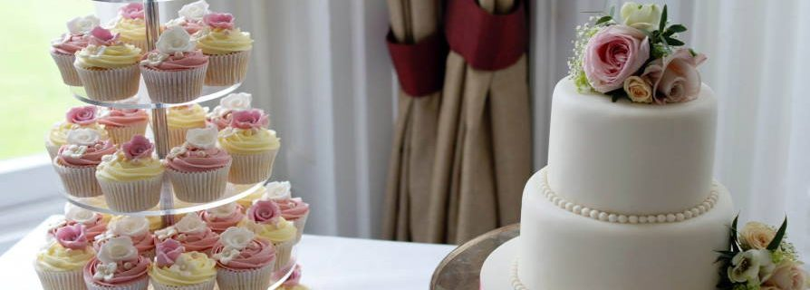Are wedding cupcakes cheaper than cake? Make the Best Answer for You